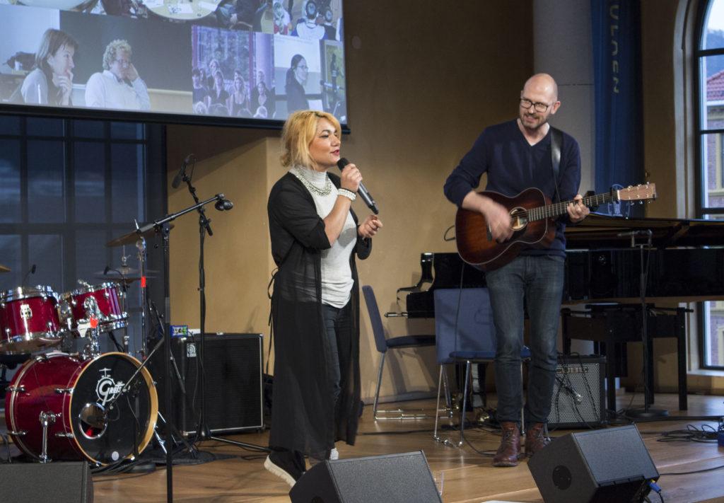 Diva and the Doctor formidler erfaringer fra sitt samarbeid i musikkterapien.